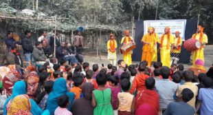 """A local folk form called """"Pala Gaan"""", a Bangla theatre style incorporating music, dance and storytelling, and northern Bangladesh music known as """"Bhawaiya"""", was used to promote social accountability messages in rural villages.  Photo: CARE Bangladesh"""